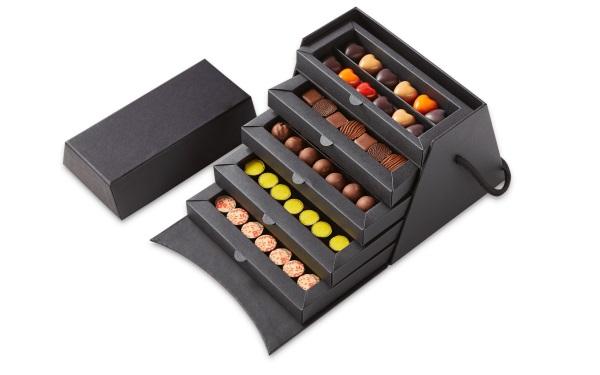 Шоколад PIERRE MARCOLINI в коробке ярусами (Christmas collection), НАБОР 5 уровней - ассорти - 91 конфета,  540г