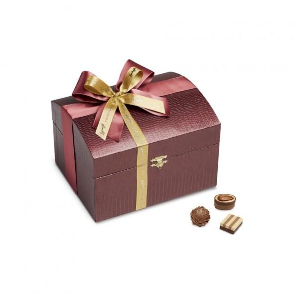 Шоколадные конфеты пралине, трюфели Treasure chest, bordeaux 40шт SPRUNGLI, 480гр