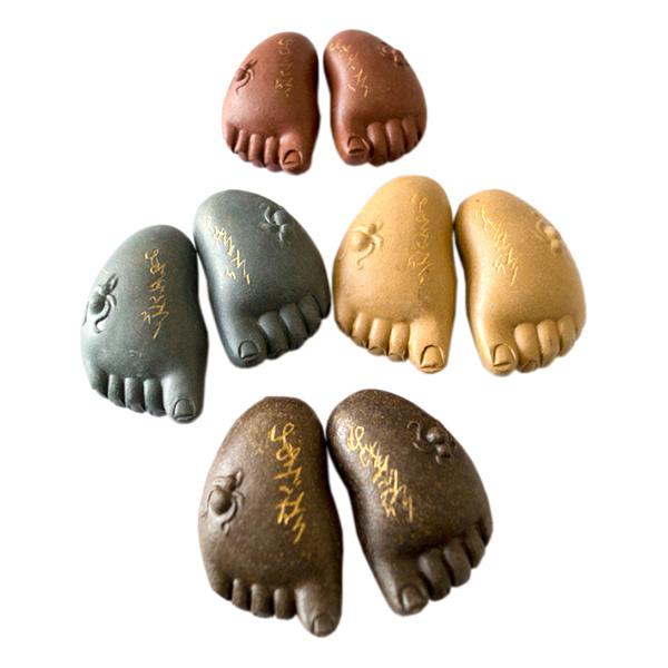 Глиняная игрушка для чайной церемонии Стопы Будды с Древним Манускриптом